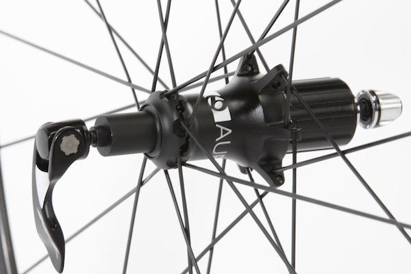 Rba Test Bontrager Aura 5 Tlr Clinchers Road Bike Action
