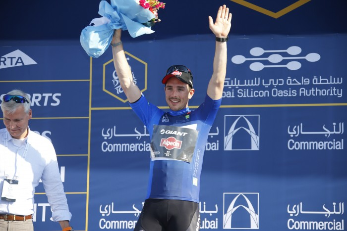 To the victor go the spoils... John Degenkolb is the new overall leader at the 2015 Dubai Tour after his Stage 3 win.