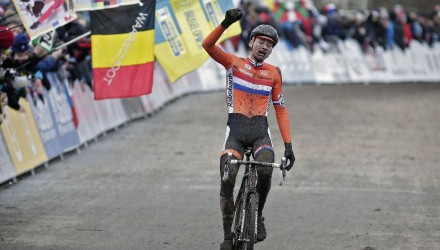 The new world champion, Mathieu van der Poel, was visibly overcome with emotion as he crossed the line for his first (and probably not his last) Elite Men's world championship.
