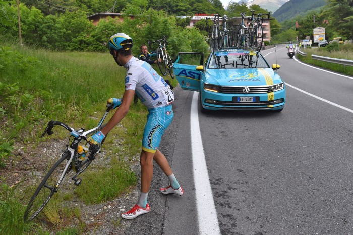 Fabio Aru also suffered a mechanical problem towards the end of the stage and needed a bike swap.