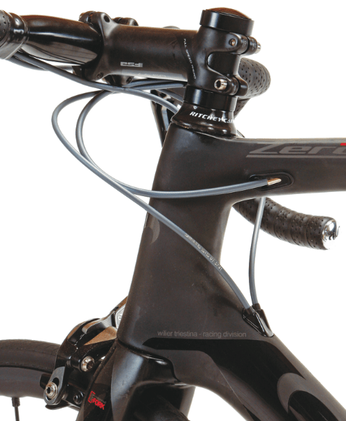 The Wilier showcases well-executed internal cable routing for either mechanical or electronic drivetrains.