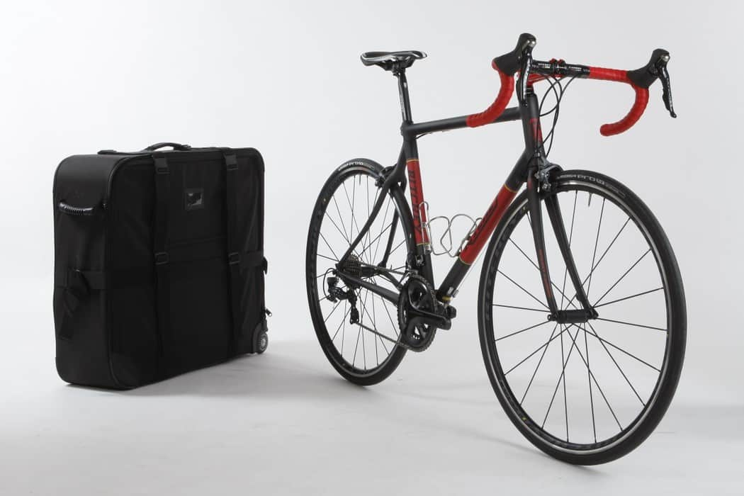bike test ritchey carbon break away road bike action. Black Bedroom Furniture Sets. Home Design Ideas