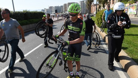 Giro d'Italia 2015 - 98» edizione - 2a tappa Albenga - Genova  km 177 -10/05/2015 - Caduta Thomas Danielson (Cannondale - Garmin) - foto Graham Watson/BettiniPhoto©2015