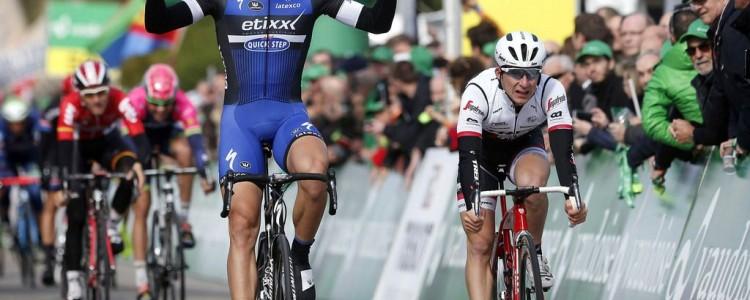 Tour de Romandie 2016 - 1a tappa La Chaux de Fonds - Moudon 166.9 km - 27/04/2016 - Marcel Kittel (Etixx - Quick Step) - Niccolo Bonifazio (Trek - Segafredo) - foto Rene Vigneron/CV/BettiniPhoto©2016