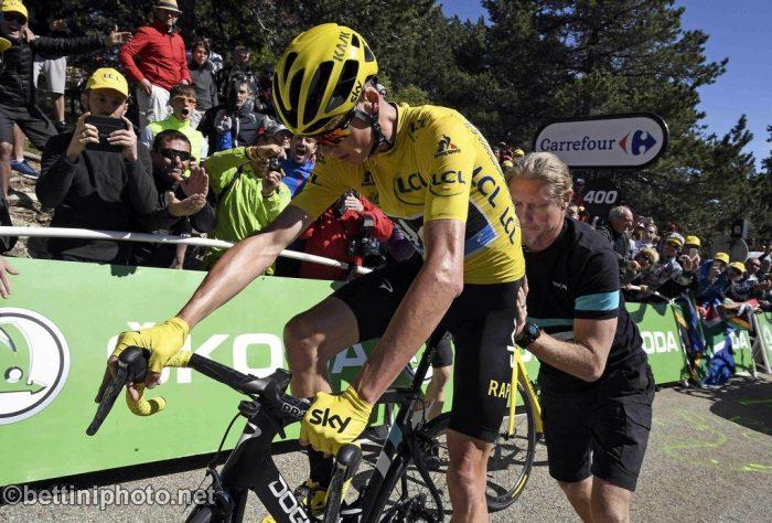 Tour de France 2016 - 12a tappa Montpellier / Mont Ventoux/Chalet-Reynard 178 km - 14/06/2016 - A piedi dopo la caduta Christopher Froome (Team Sky) - foto Graham Watson/BettiniPhoto©2016
