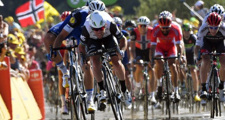 Tour de France 2016 - 103a Edizione - 14a tappa Montelimar - Villars les Dombes Parc des Oiseaux 208.5 km - 16/07/2016 - Mark Cavendish (Dimension Data) - Marcel Kittel (Etixx - Quick Step) - foto Graham Watson/BettiniPhoto©2016