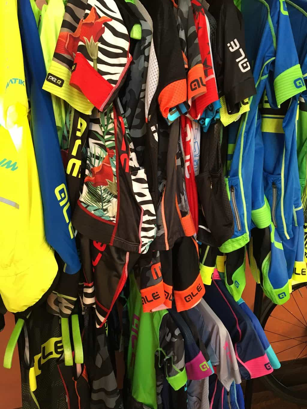 Ale Cycling had plenty of new designs to choose from and showed us their new way which they are offering custom design.