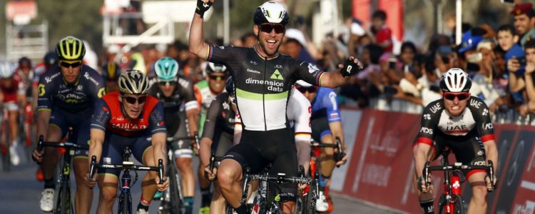 Abu Dhabi Tour 2017 - 1st stage Madinat Zayed -Madinat Zayed, 187 km - 23/02/2017 - Niccolo Bonifazio (ITA - Bahrain - Merida) - Mark Cavendish (GBR - Dimension Data) - Simone Consonni (ITA - UAE Abu Dhabi) - Roberto Bettini/BettiniPhoto©2017