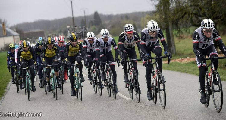 Road bike action race report paris nice stage 2 for Richie porte salary