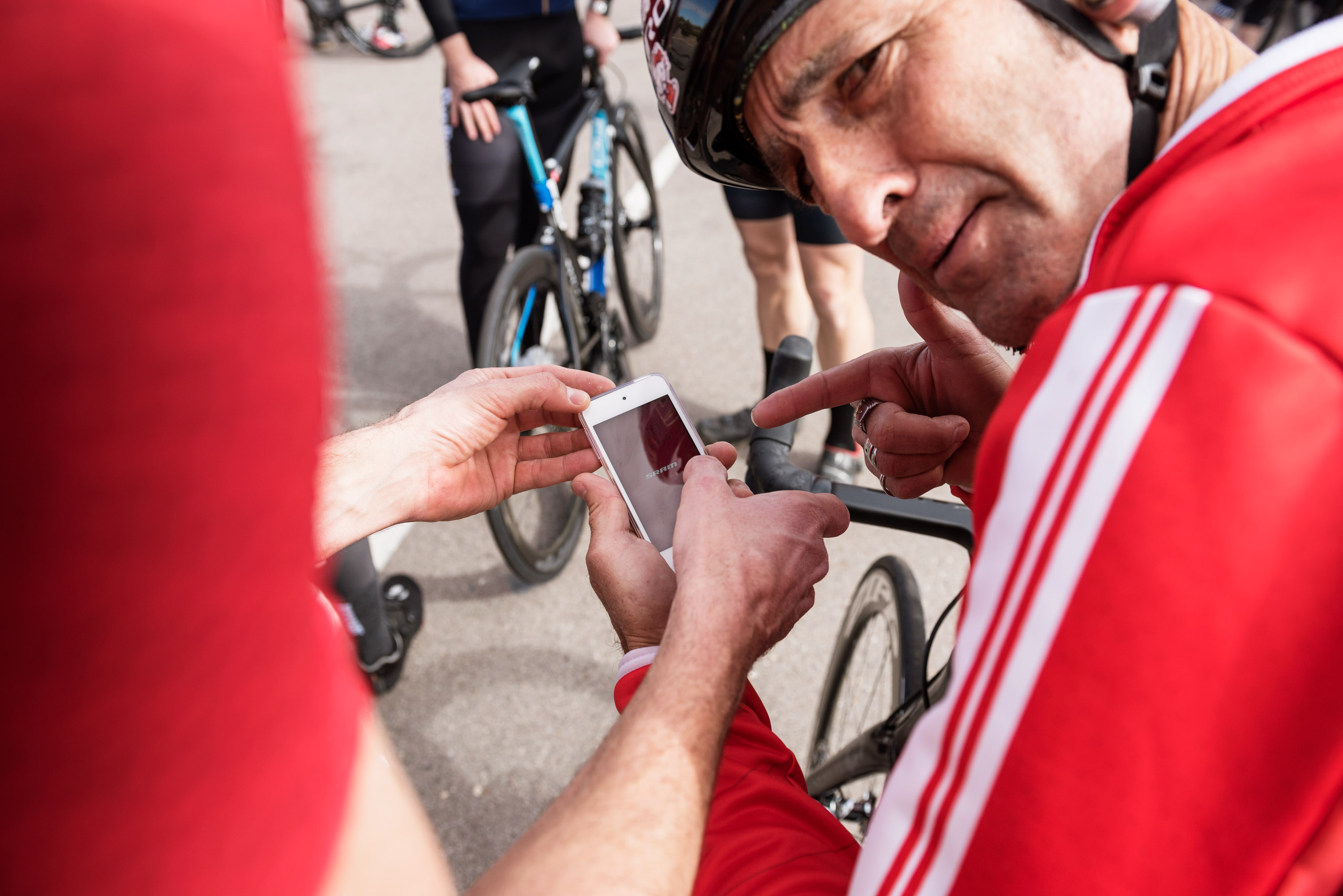 HERE'S HOW SRAM IS TRYING TO REPLACE STRAVA