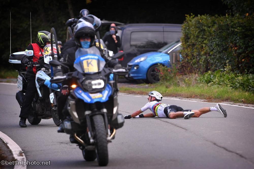 JULIAN ALAPHILIPPE INJURY UPDATE   Road Bike Action